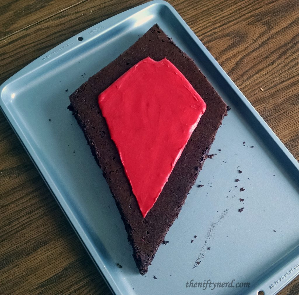 Creating the WoW Horde crest in cake and frosting