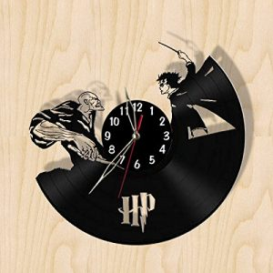 Harry vs. Voldemort vinyl record clock