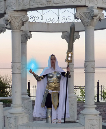 Elspeth, Sun's Champion cosplay