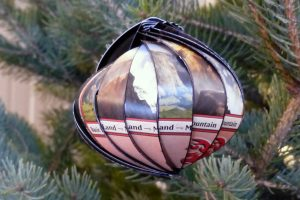 Making a Magic the Gathering tree ornament
