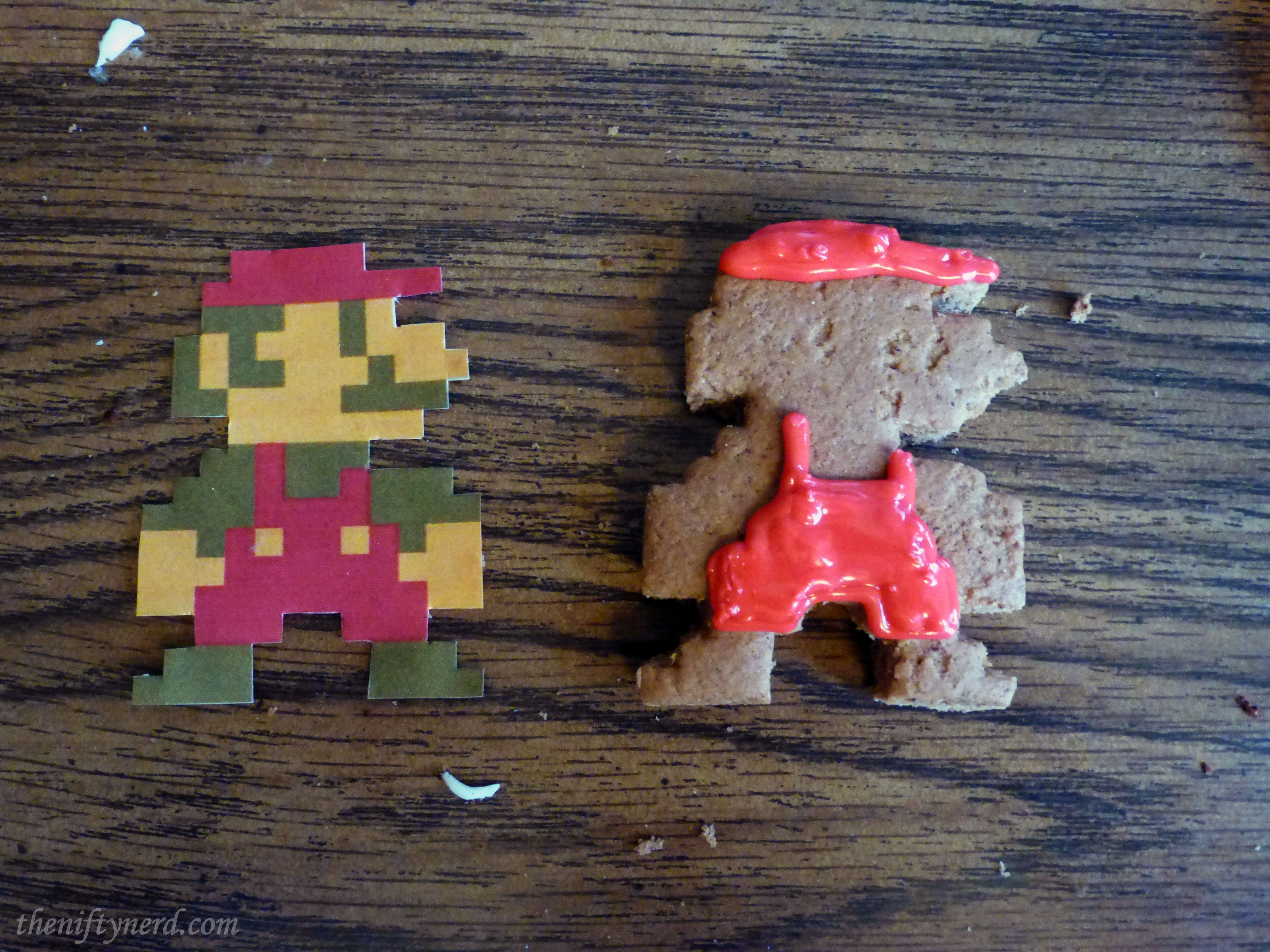 frosting mario gingerbread