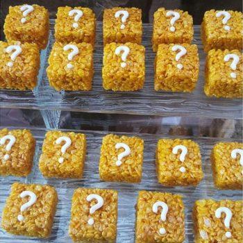Question block rice krispie treats via thecookiefashionint